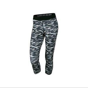 Nike Dri-fit Haze Camo Capri Workout Leggings M